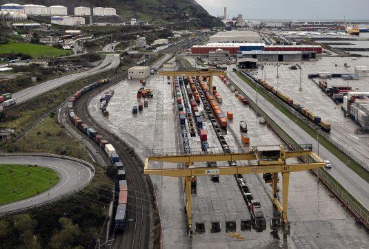 Terminal ferroviaria del puerto