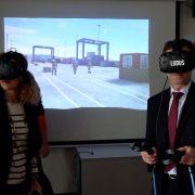 Bomberos de Bizkaia entrenan futuras emergencias en el Puerto de Bilbao con un simulador de realidad virtual único en el Estado