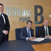 Los presidentes de los puertos de Bilbao y Valencia firman  un protocolo de colaboración para impulsar la intermodalidad  y la responsabilidad social corporativa