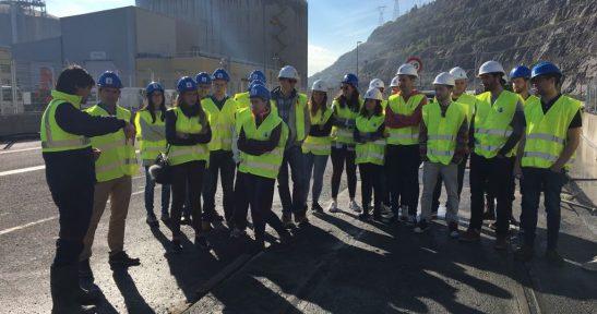Alumnos de la Escuela de Ingeniería de Cantabria visitan  las obras del espigón central y la estabilización de  la antigua cantera del Puerto de Bilbao