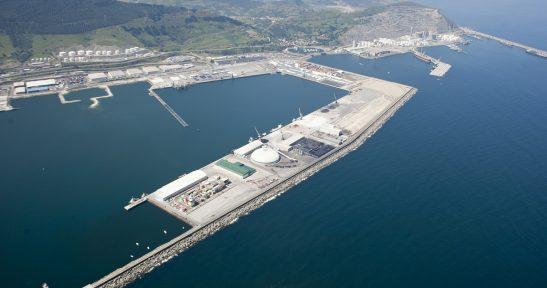 Two new companies, Cespa Gestión de Residuos and Saisa, set up inside the Port of Bilbao.
