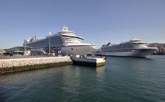 2 cruise ships at Bilbao Port