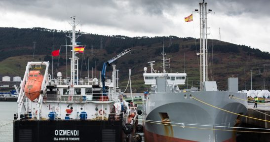 The Oizmendi carries out in Port of Bilbao first trial ever to transfer LNG ship-to-ship in Atlantic Arc and Mediterranean