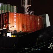 El Puerto de Bilbao vuelve a descargar plátano  de Canarias de la mano de Boluda Lines