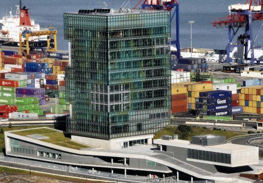 Edificio de oficinas del Puerto de Bilbao