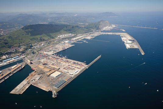 Vista general de las instalaciones del puerto