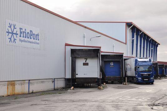 Detalle de la terminal de fruta del puerto