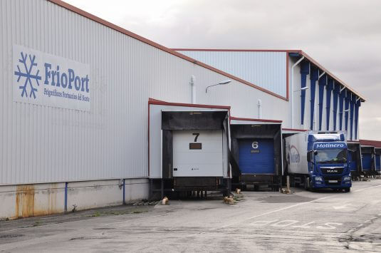 Perishables terminal in the port