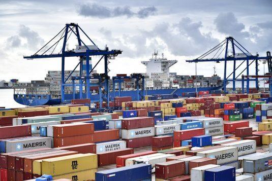 Portacontenedores CEZANNE en el puerto de Bilbao