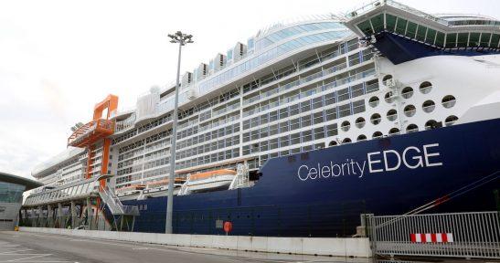 El Celebrity Edge, el barco que ha revolucionado el sector de los cruceros, hace escala en Bilbao