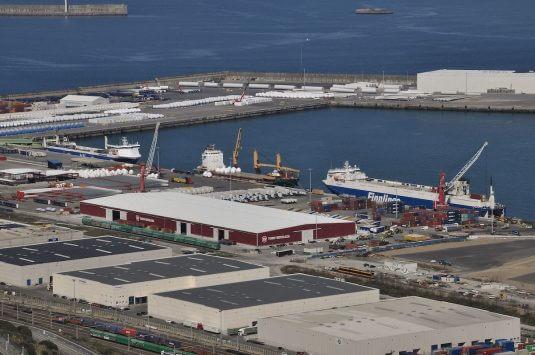 Vista de uno de los muelles del puerto