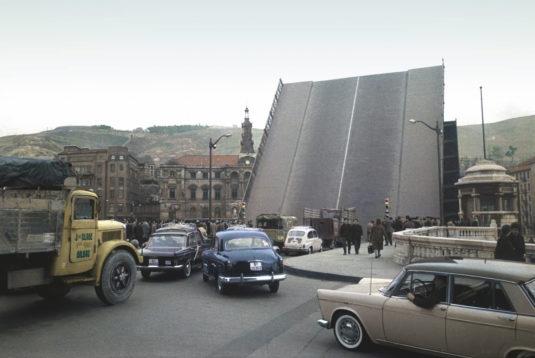 Puente levadizo del Ayuntamiento