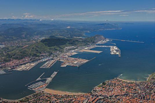 Vista general del puerto de Bilbao