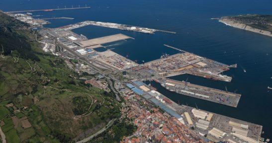 Crece el número de vehículos pesados incentivados por utilizar el sistema de preavisos del Puerto de Bilbao y la AP-8
