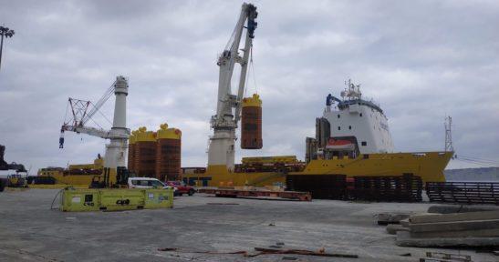 El Puerto de Bilbao acoge la carga de anclas para el sector oil & gas con destino a Mozambique