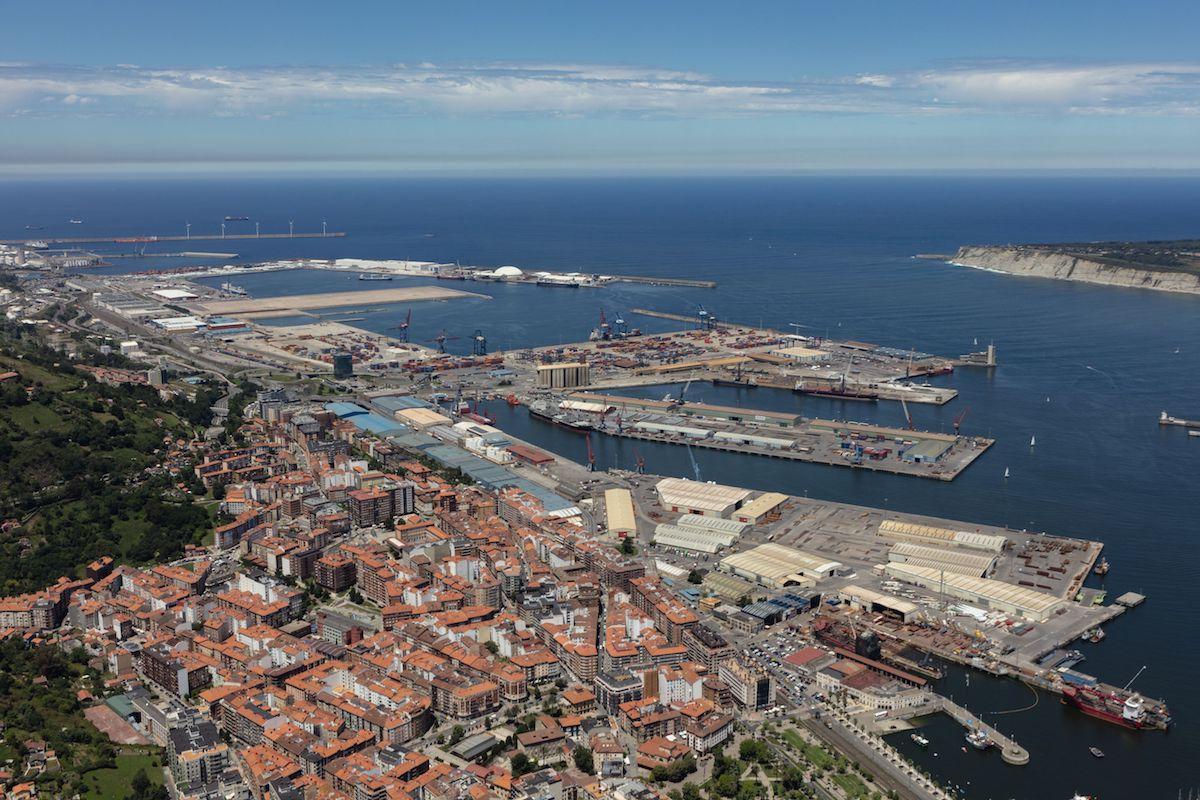 Santurtzi y el puerto de Bilbao