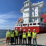 """The """"Containerships Borealis"""", first gas-powered vessel to dock in the port of Bilbao"""