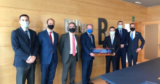 Representantes de COSCO Shipping visitan el Puerto de Bilbao