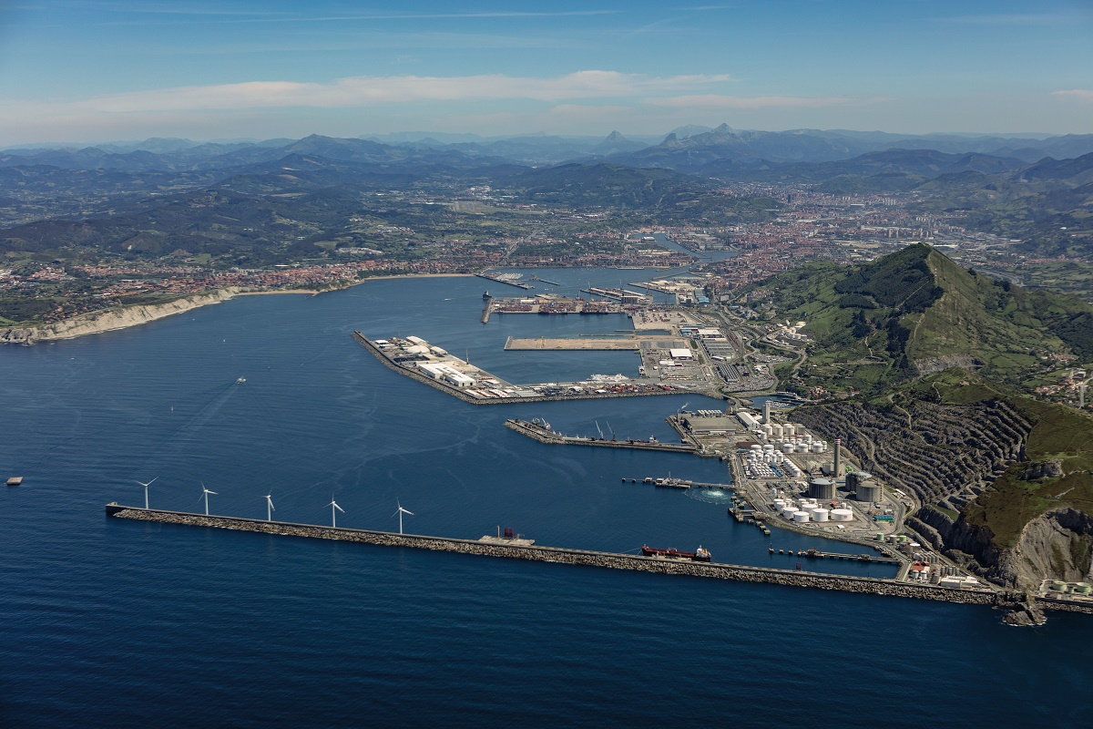 General view of the port